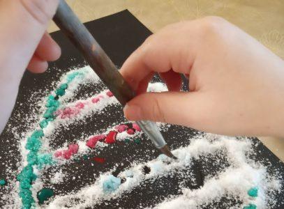 Malowanie solą – zajęcia manualne