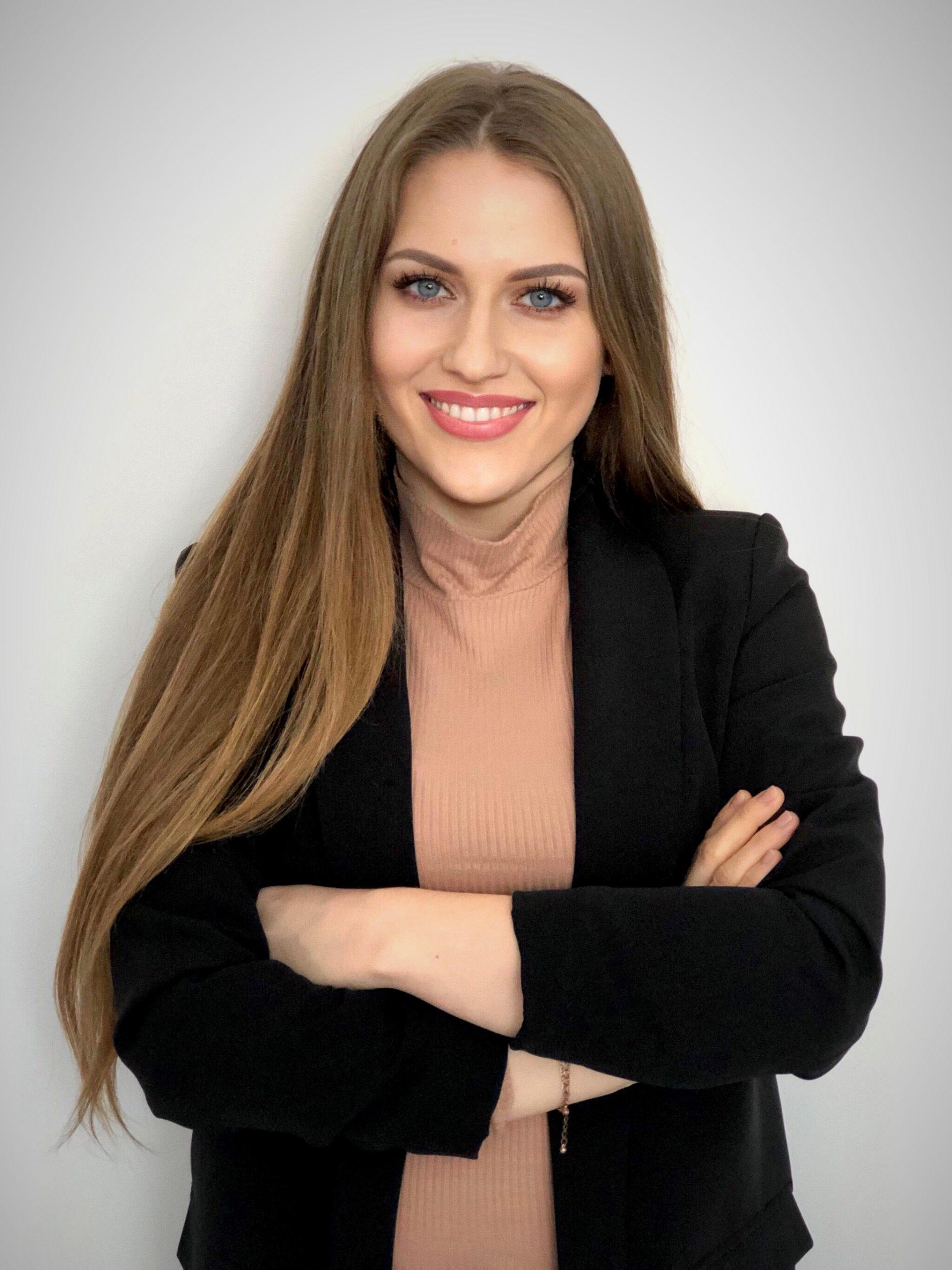 Emilia Kmieć                                                                   instruktorka Zabaw ztańcem
